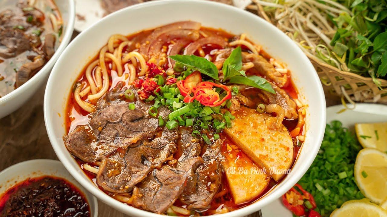 Cách nấu BÚN BÒ HUẾ ngon tuyệt đỉnh chuẩn vị Huế nhìn thôi đã thèm    Perfect VN Spicy Beef Noodle - YouTube