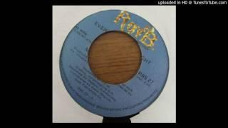 Midnight Express feat. Yvonne Chaka Chaka - Everyday Everynight