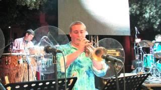 Brazilian rhyme- Ultimate Earth Wind & Fire (Live Music Fest 2012)