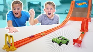 Mini HOT WHEELS BOX FORT!