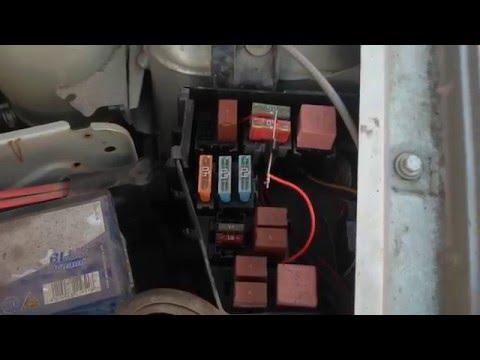 видео: логан. самый простой 20 руб способ автоматически  включть ходовые огни