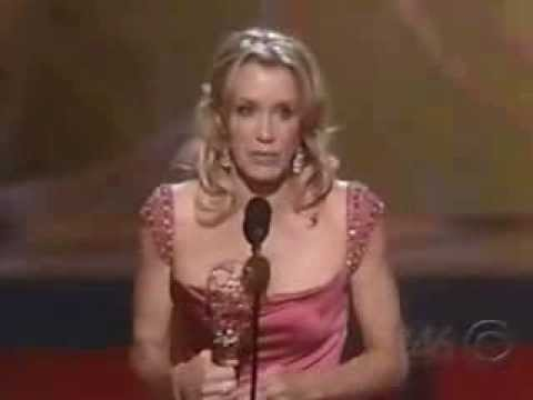 Felicity Huffman wins 2005 Emmy Award for Lead Actress in a Comedy Series