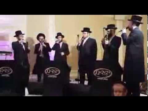 אמת ויציב בחתונה - מקהלת ידידים ואברומי ברקו   Yedidim Choir - Emet Ve'Yatziv