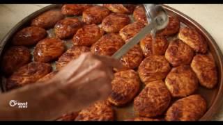 ازدهار أسواق الحلويات الشتوية الشعبية في مدينة إدلب