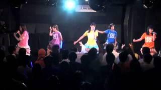 アップアップガールズ(仮)がマップ劇場23回公演(2011年10月13日)で...