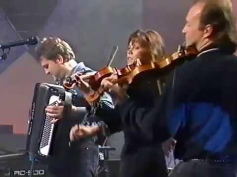 "Cape Breton fiddle & step-dancing : ""The Barra MacNeils"""