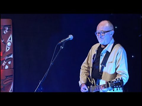 Dave Dobbyn - Nau Mai Rā (Welcome Home) Ft. Maimoa (Live Performance)