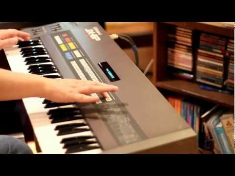 Yamaha DX7 - the 32 classic factory patches by SynthMania