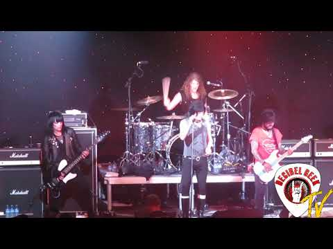 L. A. Guns - One More Reason: Live on the...