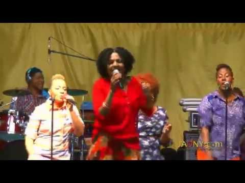 Carlene Davis Performs Live Bronx New York August 2014