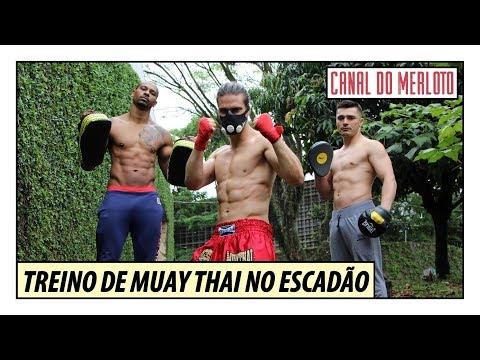 Muay Thai: Treino Insano De Aparador No Escadão Com Máscara De Altitude | Arte Marcial