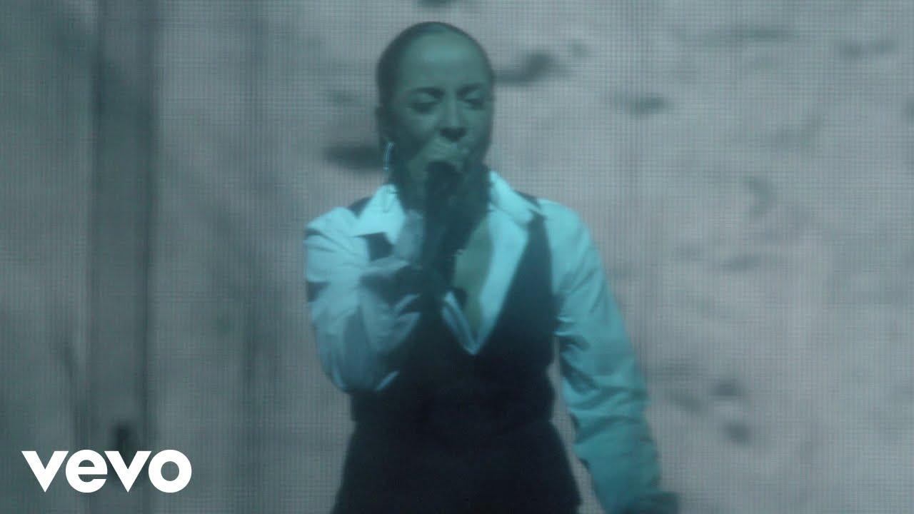 Sade - Bring Me Home (Live 2011)