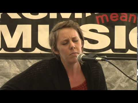 Lindi Perry sings for the KSM Means Music songwriter's competition 2015