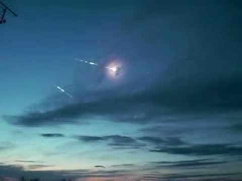 Полет боеголовок МБР над полигоном | Flight of warheads on Kura