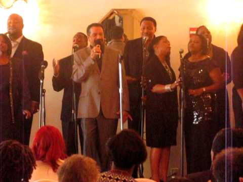 """Richard Smallwood & Vision sing """"Sow In Tears"""" from the new cd """"Promises"""""""