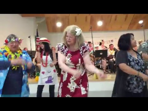 Hukilau   Audience Dance - Richard Chew's Video)