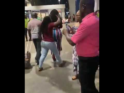 Curvy Lady Mobbed At Ghana Airport (Pictures, Video)