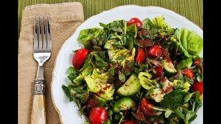 Легкий витаминный салат без масла и майонеза .