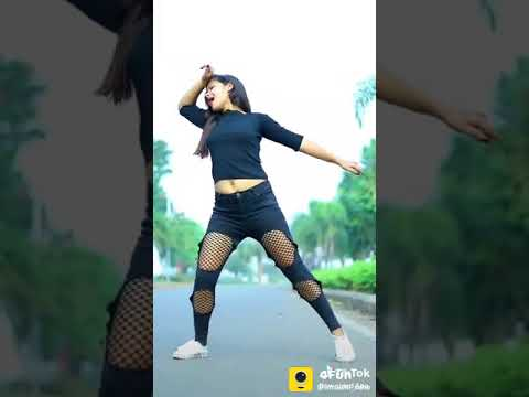 City Bajaye Nakhre Dikhaye. Woh Ladka Aankh Maare.  New Video 2019