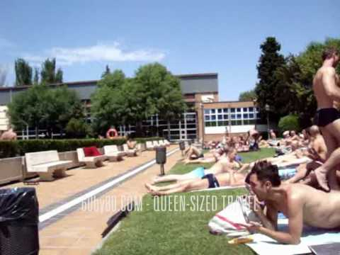 Piscina municipal el lago in madrid youtube for Piscina municipal mataro