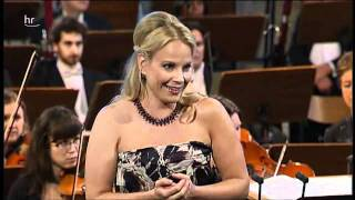 Elīna Garanča - 3. Nachtigall (Sieben frühe Lieder) thumbnail