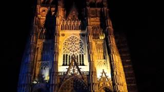 Cathédrale Saint Gatien TOURS FRANCE by night