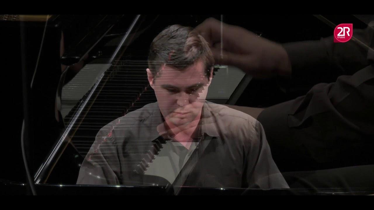 Peter Naryshkin plays J. Haydn: Sonata C-dur XVI/50, C. Debussy: Prelude Feux d´artifice