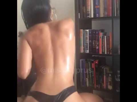 HOT GIRL TWERKING BODY!!!! (SEXY)