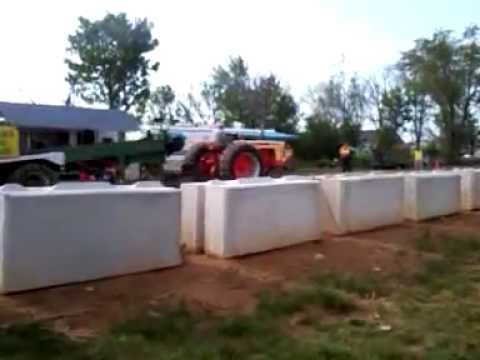 tractor pull May 5th 2012 in blue ball P.a. part 7