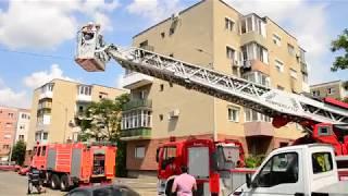 Incendiul a izbucnit marți după masa la un apartament situat la etajul doi al unui bloc amplasat pe strada Baladei din municipiul Arad.