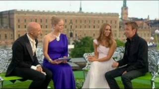 Agnes Carlsson och Björn Skifs intervjuas / Kronprinsessbröllopet