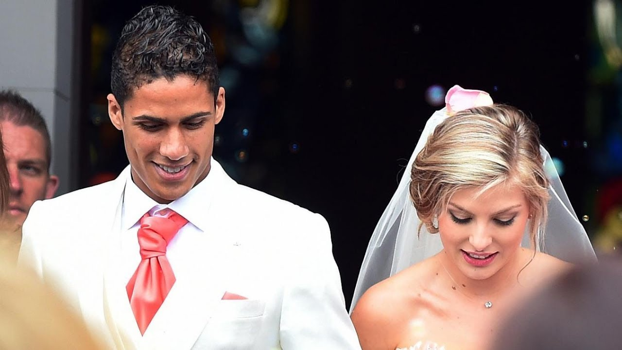 Camille was born and raised in natal.she has been married to raphael since 2015. Raphaël Varane & Camille Tytgat Lovinge Couple   Wedding ...