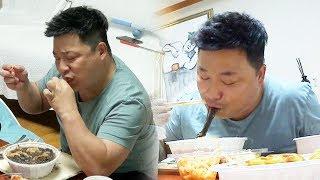 윤정수, 인터넷 개인방송 보는 듯한 '폭풍 먹방' @미운 우리 새끼 57회 20171008