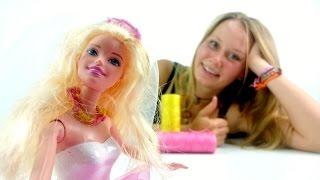 Делаем бусы для Барби: Плетем из ниток красивое украшение