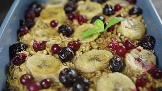 Как приготовить запеченный ягодный десерт с хлопьями и орехами   Простые рецепты