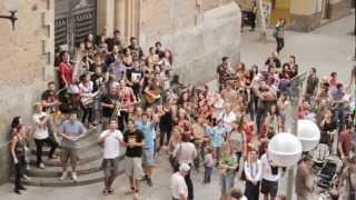 Tocant per Gràcia (CMG) - Qualsevol Nit Pot Sortir El Sol (Jaume Sisa)