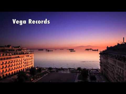Mobi Dixon Feat. M.que - City Rains (Louie Vega Dance Ritual Mix)