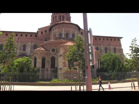 Toulouse | Top 10 places to visit | A rough bus ride through the city | Terracotta city