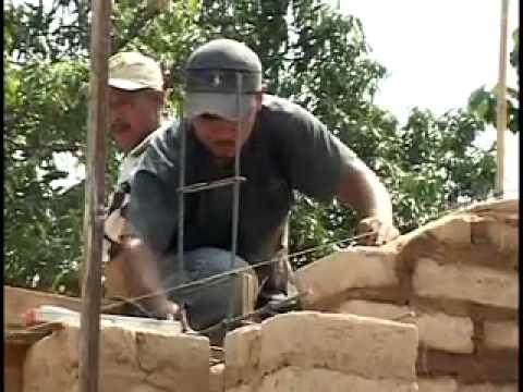 Permacultura fabricar y construir con adobe 2 youtube - Cosas para construir en casa ...