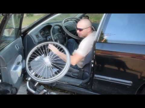 WHEELCHAIR TRANSFER TO CAR. Awesome tips by Mad Martini. #wheelchair tips