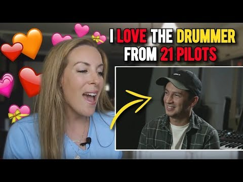 Housewife has a CRUSH on Tyler Joseph (Funniest Levitate reactions) Twenty One Pilots