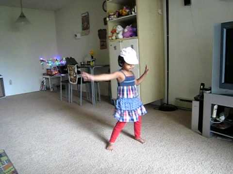 Kusuma Dance For Arya2 Song Baby He Loves You