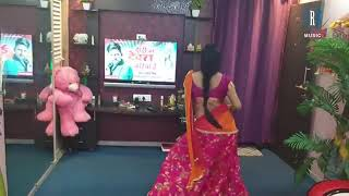 Rakesh Mishra ke gaane pay Chandni Singh  sexy dance