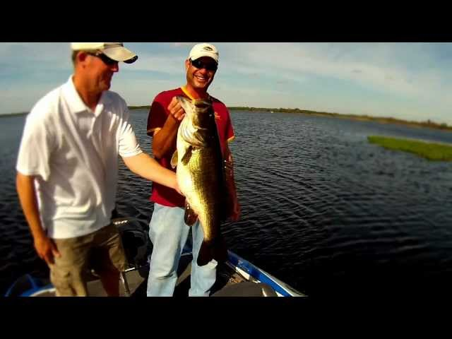 Kissimmee/Orlando Florida Bass Fishing: 11 lb. Monster Bass caught on video