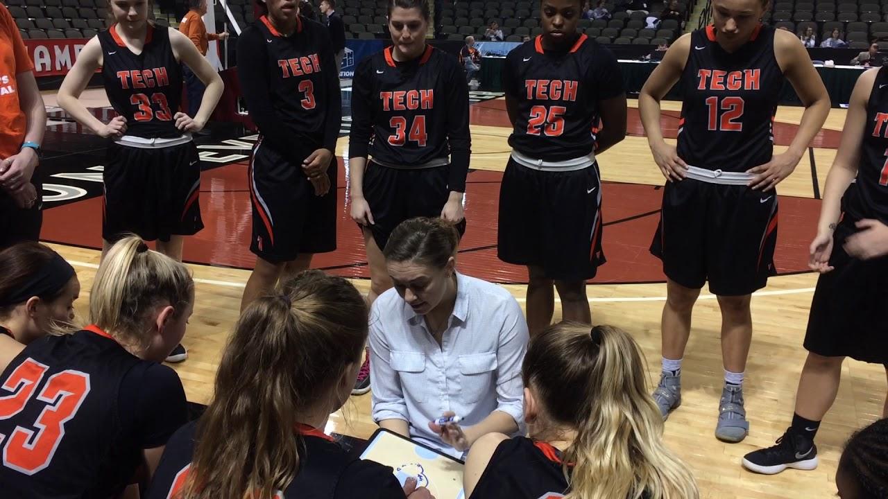 Indiana Tech Head Coach Jessie Biggs has a timeout at NAIA tourney