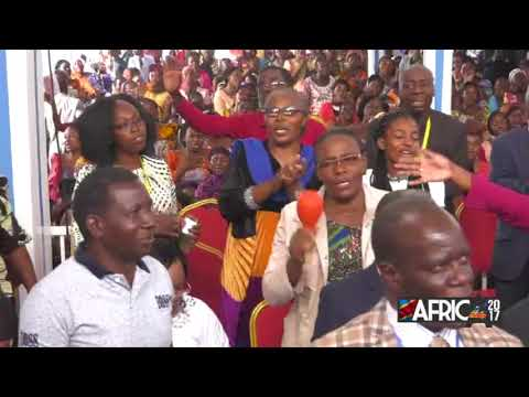 BUKAVU, CONGO 2017  - WORSHIP