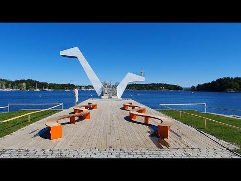 Sandvika beach walk