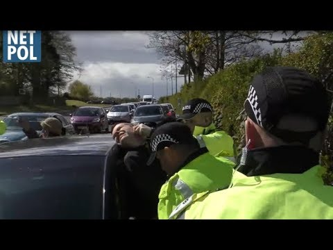 UK Anti-Fracking Campaigners Face Increasingly Violent Police Tacticts