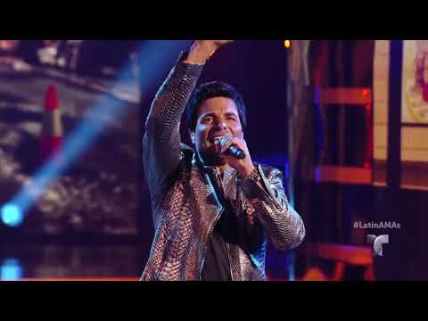 "CHAYANNE con WISIN ""Qué Me Has Hecho""  LAMAS  Latin American Music Awards 2017 HD."