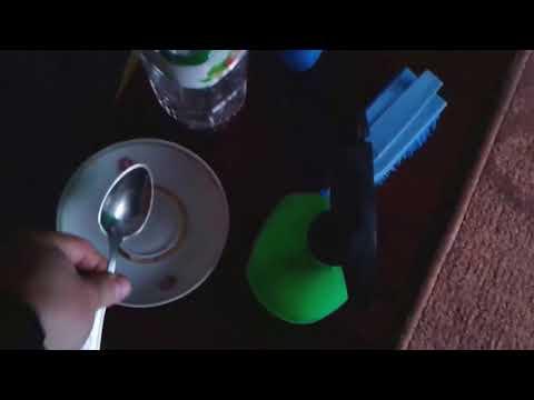 Вопрос: Как почистить коврики уксусом?
